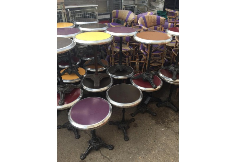 table bistrot d 39 occasion mobilier pour restauration chez bravo. Black Bedroom Furniture Sets. Home Design Ideas