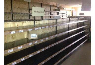 http://brocante-bravo.com/257-1051-thickbox/serie-di-attrezzature-per-il-supermercato.jpg