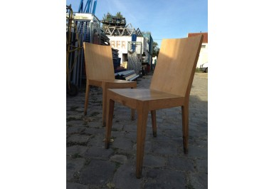 http://brocante-bravo.com/300-1257-thickbox/chaises-en-bois.jpg