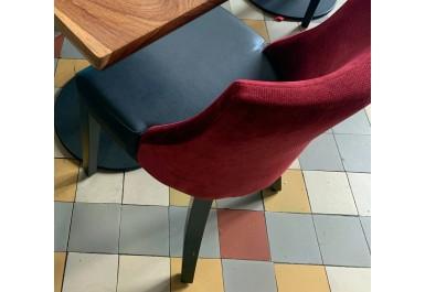 http://brocante-bravo.com/337-1397-thickbox/chaise-skai-et-tissus.jpg