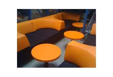 http://brocante-bravo.com/34-90-thickbox/ensemble-banquette-et-tables-.jpg