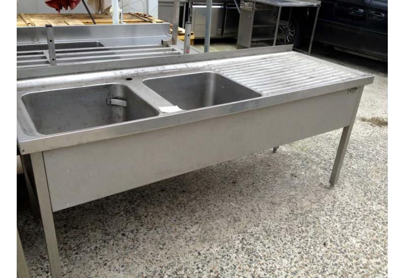 Tutto in acciaio inox lavelli tavoli - Tavoli in acciaio inox ...